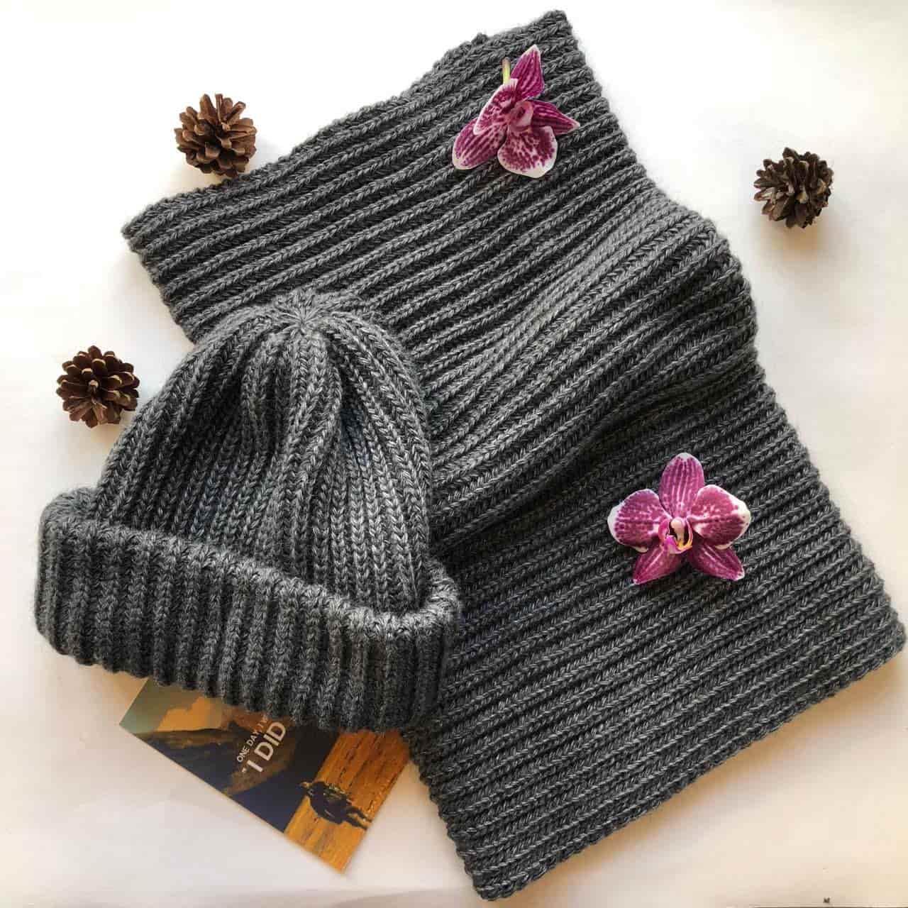 Теплая шапка и снуд — то, что нужно зимой